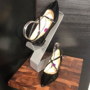 Nine West Anastasia Pointed Toe Flats. Size 8 1/2